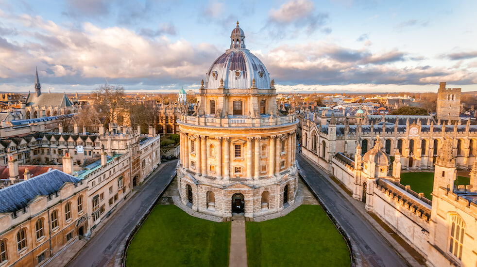 Free walking tours: learn about Oxford's literary chops